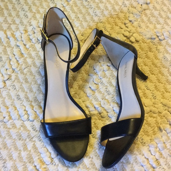 6cbf47d9ef1 Nine West Shoes - Nine West kitten heel black Leather sandal 7.5